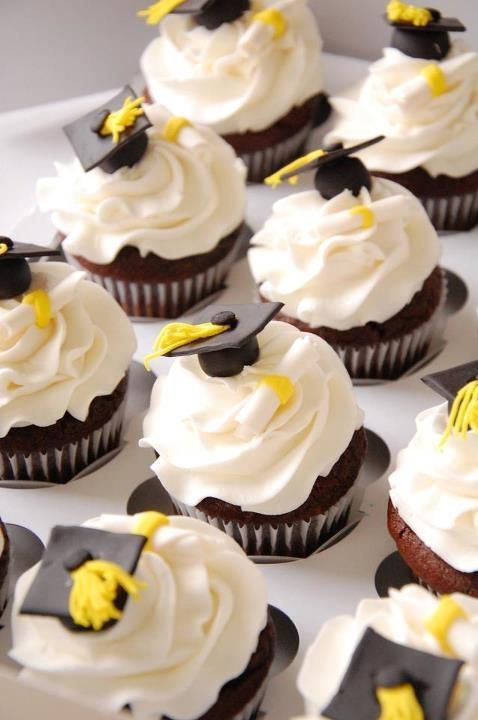 7 Photos of Store Meijer Graduation Cakes