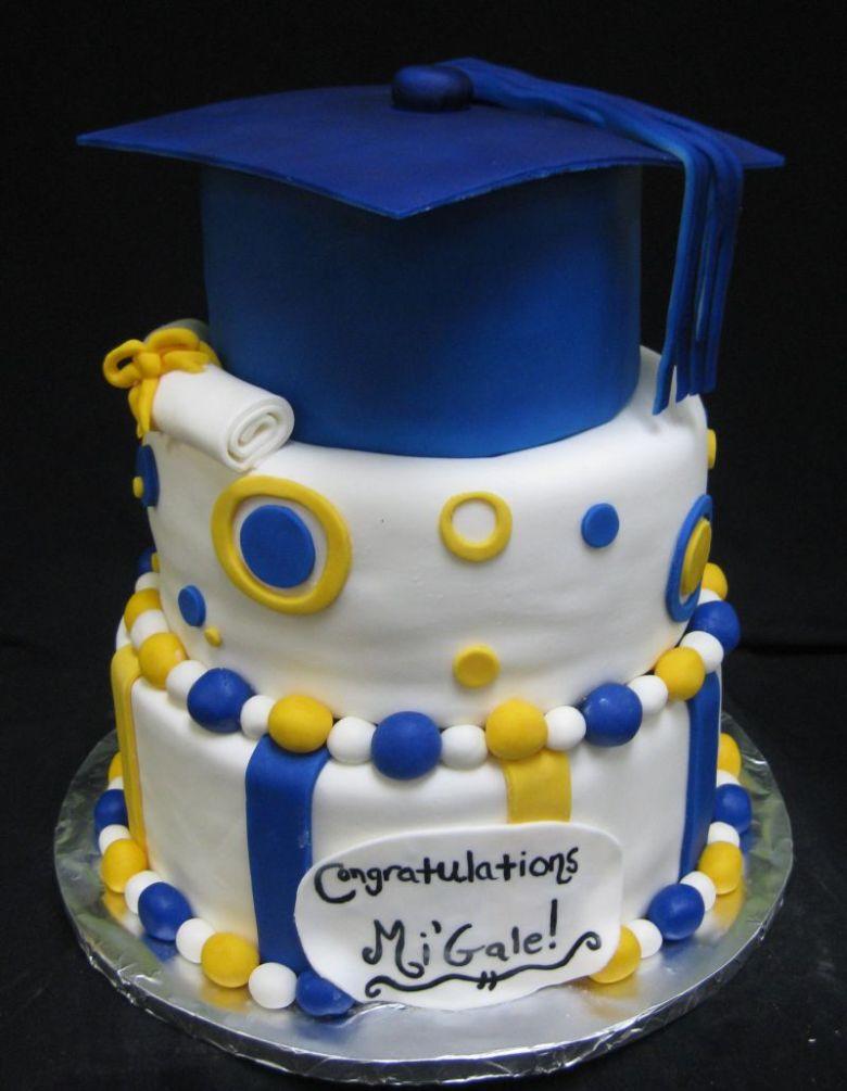 12 Photos of High School Grad Cakes