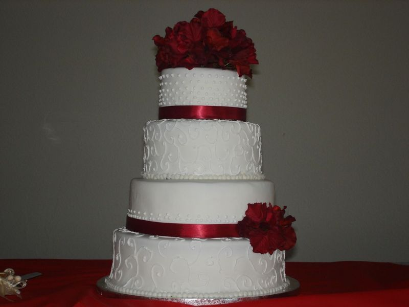 Red and White Simple Wedding Cake