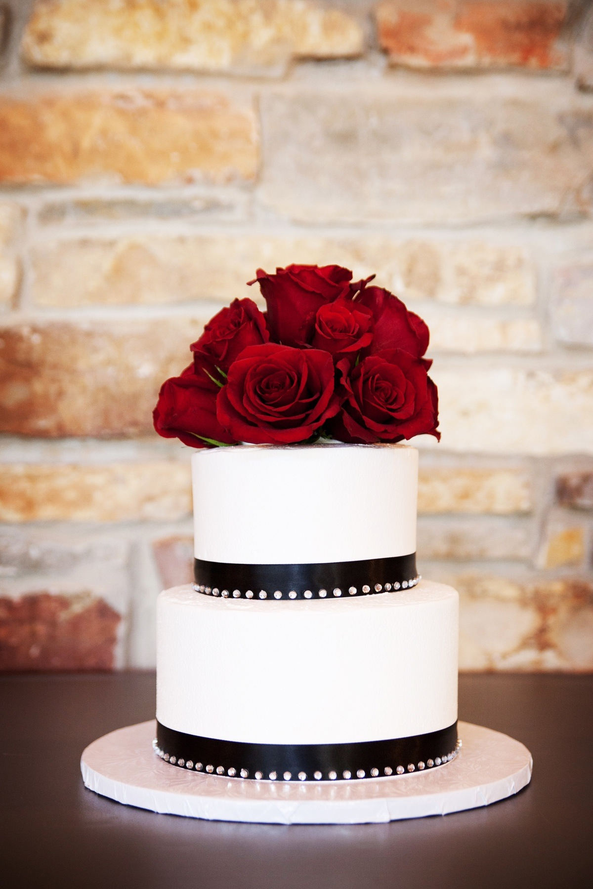 Simple Wedding Cakes with Red and Black