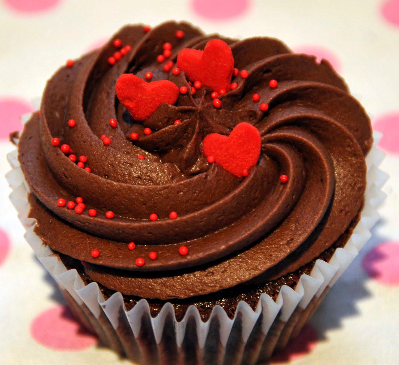 10 Photos of Valentine's Rainbow Cupcakes