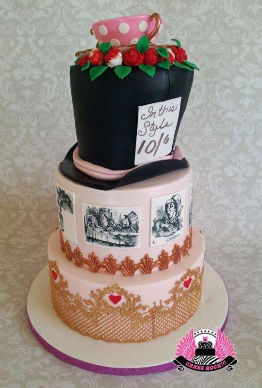 7 Photos of Elegant Alice In Wonderland Cakes