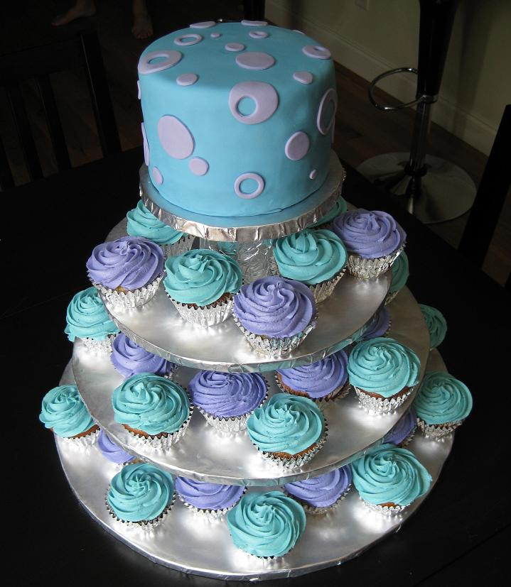 12 Photos of Large Wedding Cakes With Cupcakes