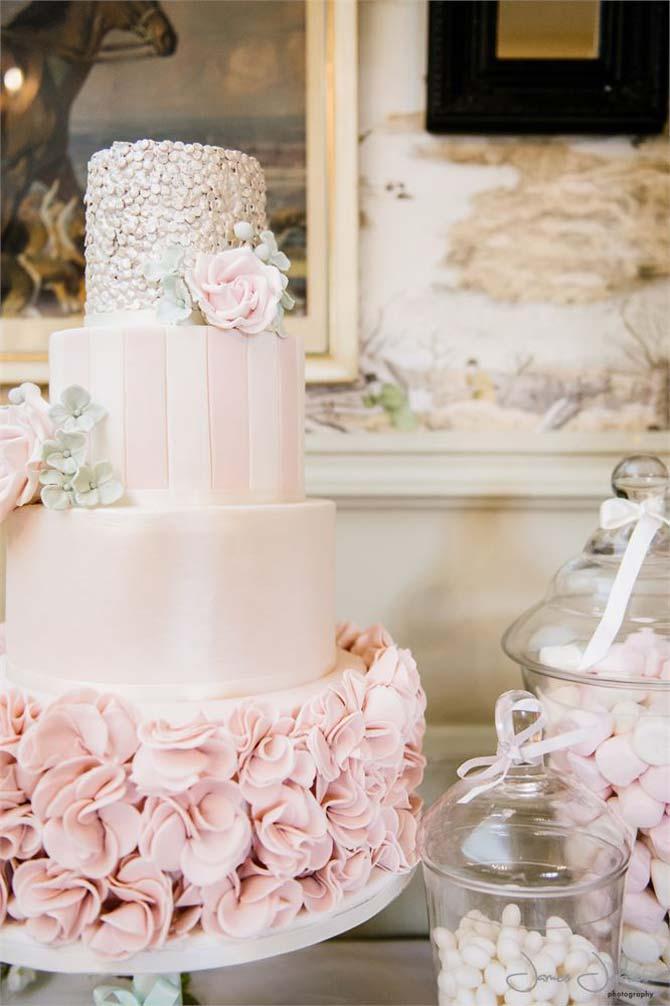 White Flower Themed Wedding Cakes