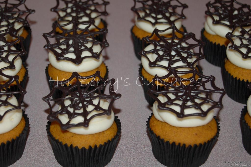 Halloween Cupcakes with Oreo Cookies