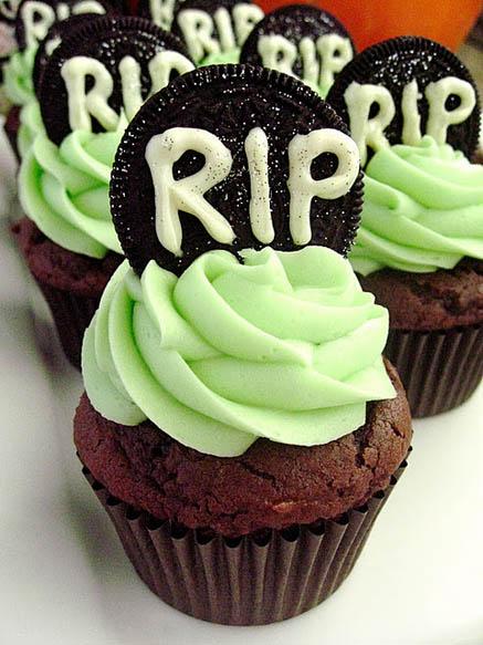 Halloween Tombstone Oreo Cupcakes