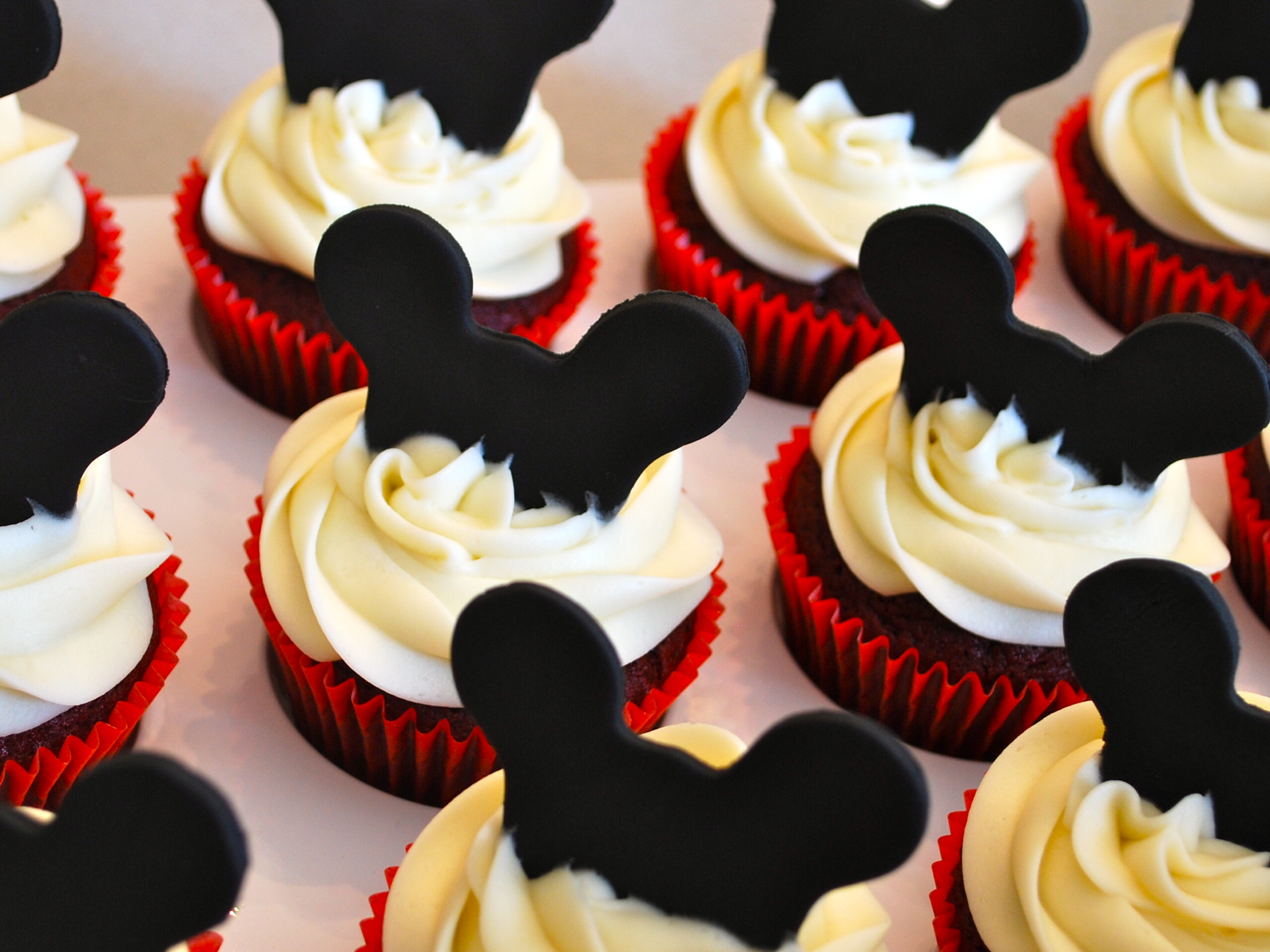 13 Photos of Mickey Mouse Fondant Cupcakes