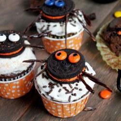 Oreo Cookie Spider Halloween Cupcake