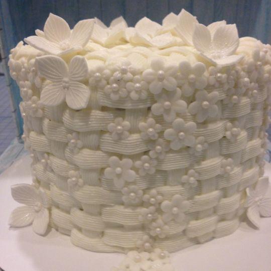 Wedding Cake Buttercream Basketweave