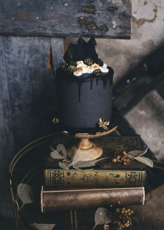 Wedding Cakes with Black