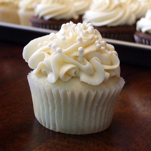 White Wedding Cake Cupcake Recipe