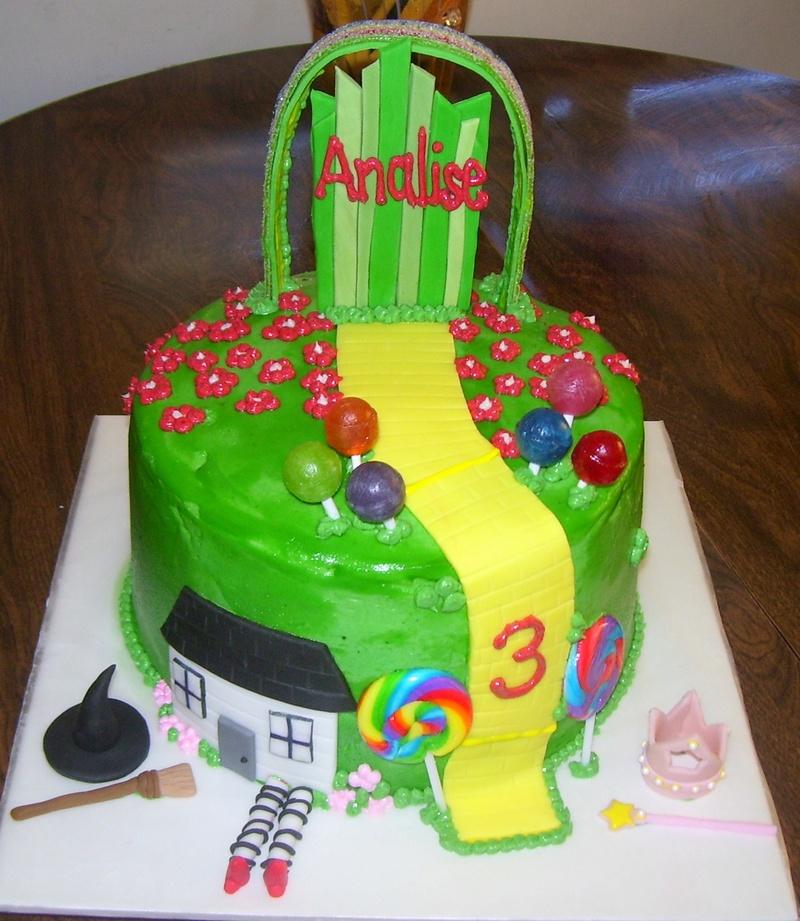 Wizard of Oz Theme Cake