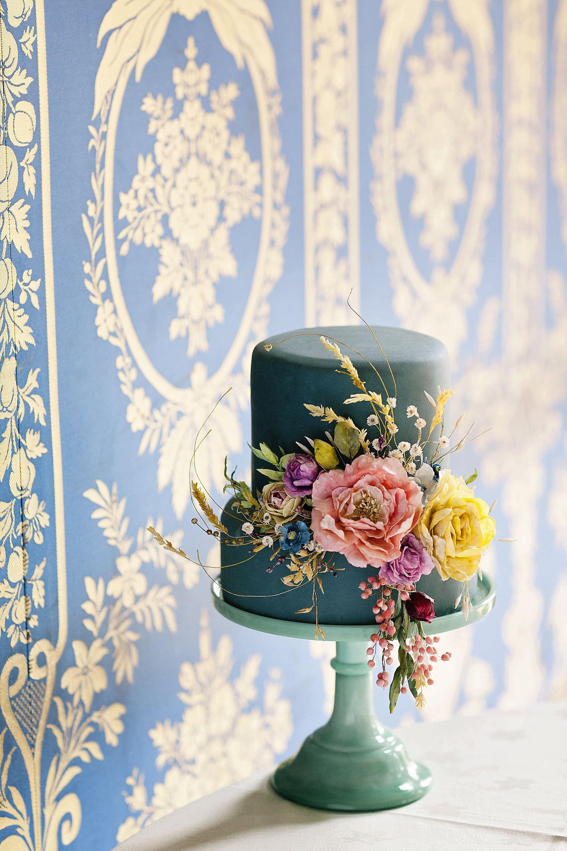 Amy Swann Cakes and Sugar Flowers Wedding