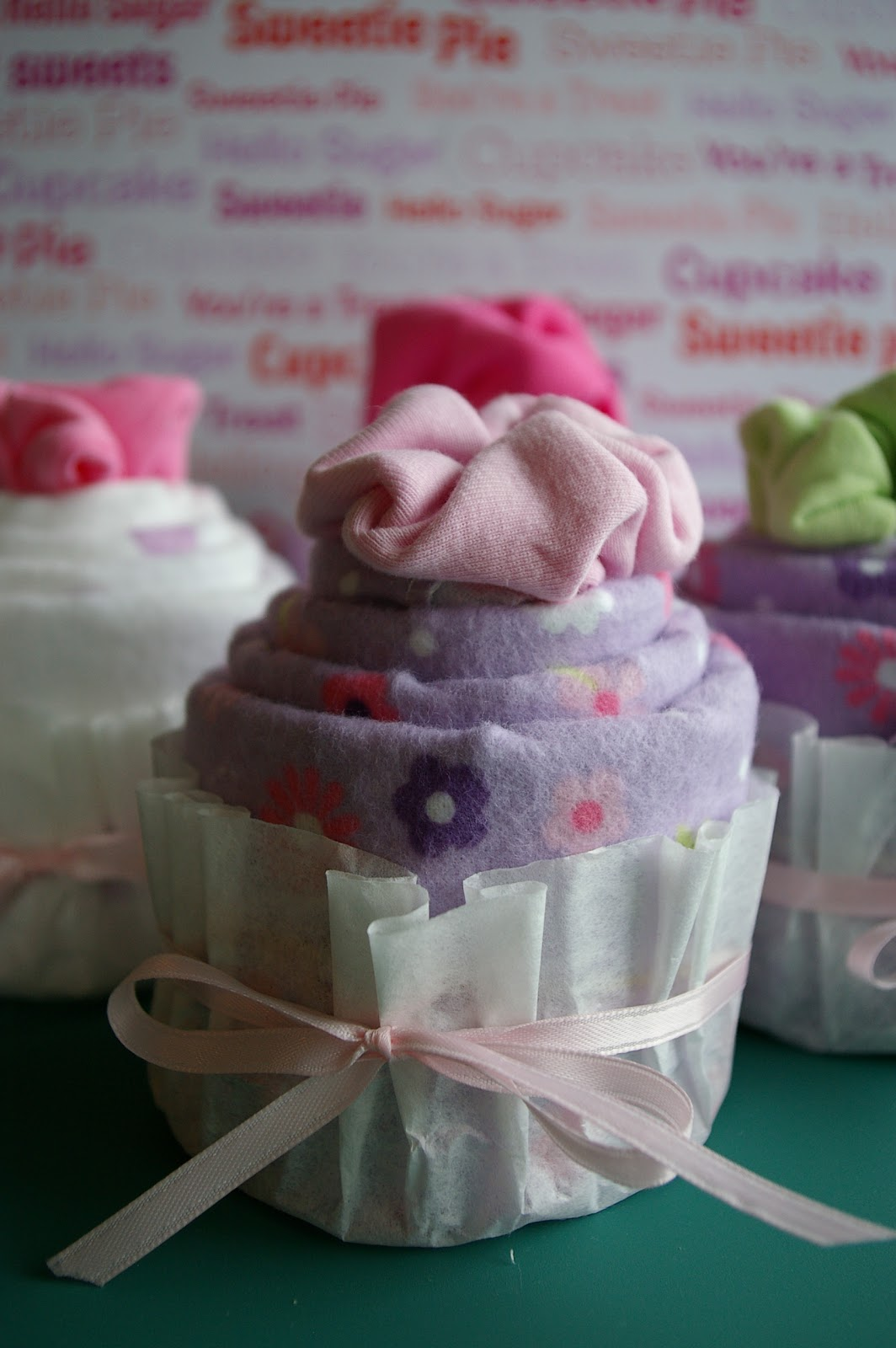 Baby Shower Onesie Cupcake Tutorial