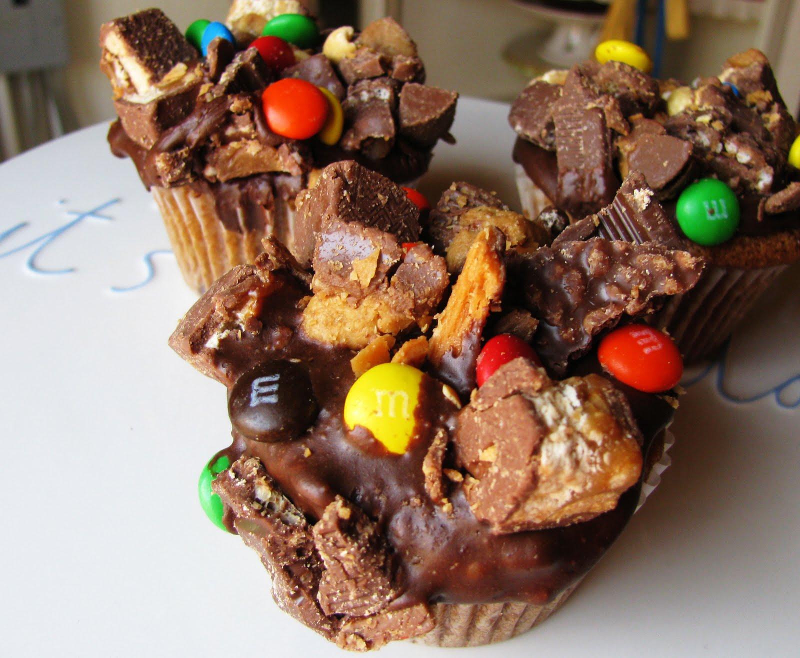 Chocolate Candy Bar Cupcake