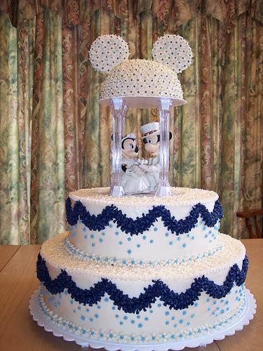 Disney Mickey and Minnie Wedding Cake