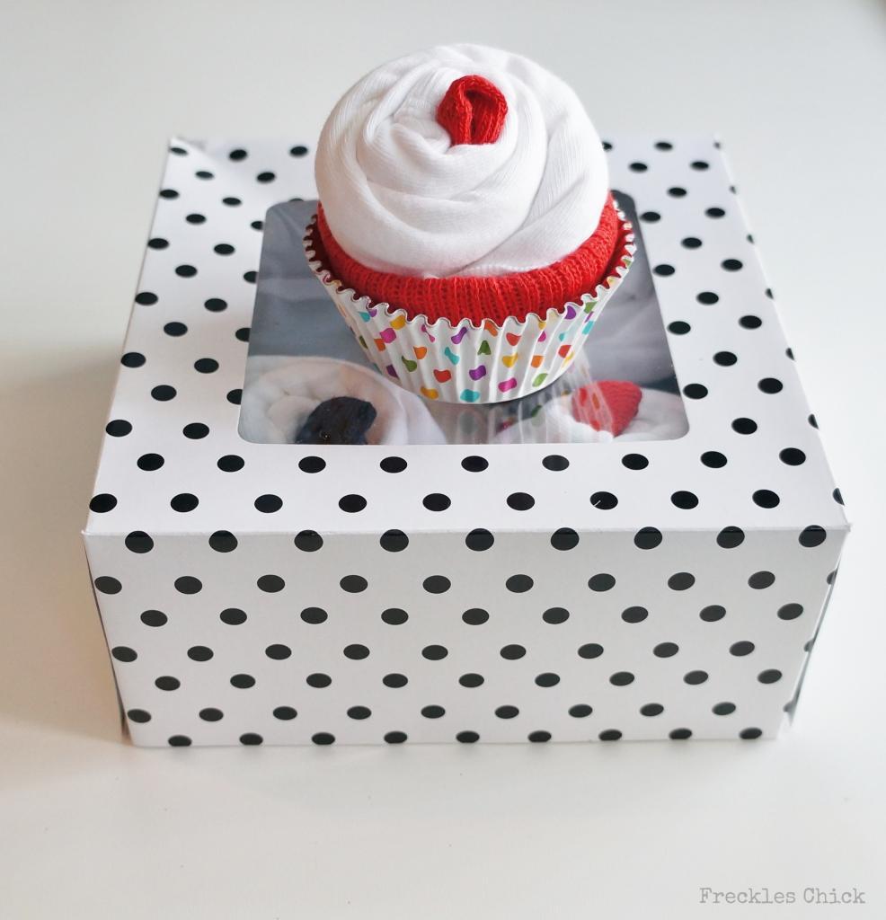 DIY Baby Shower Onesie Cupcakes