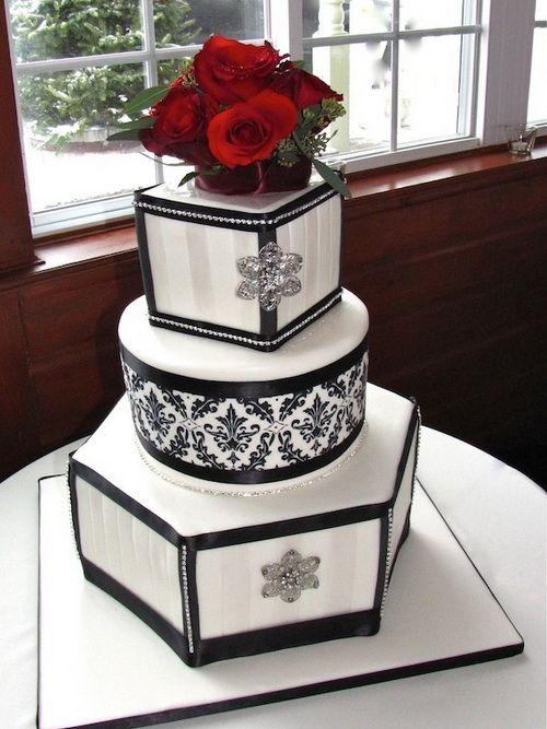 11 Photos of Elegant Wedding Cakes With Shapes