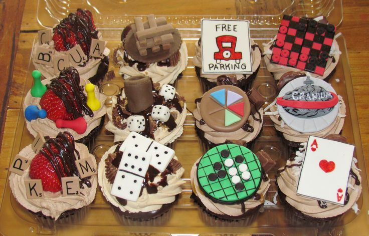 Game Board Cupcake Cake