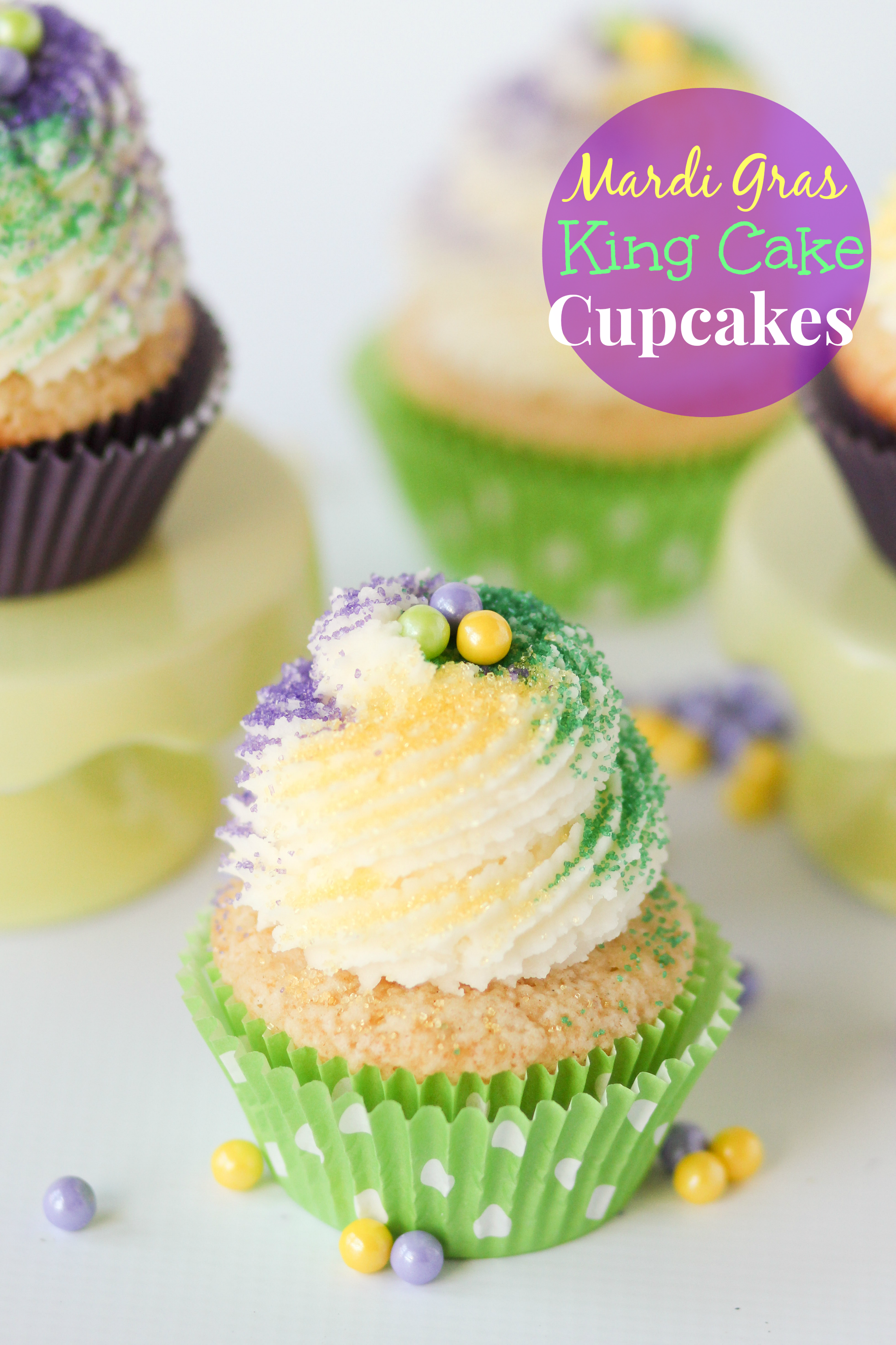 9 Photos of Mardi Gras King Cupcakes