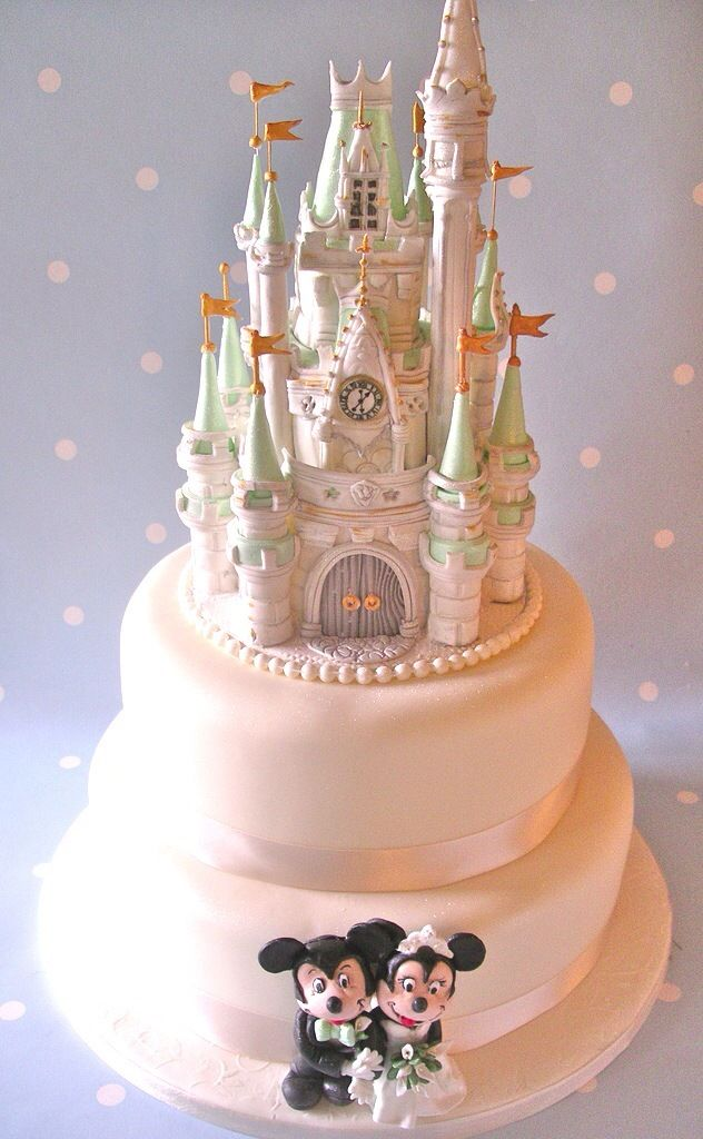 Mickey Mouse and Minnie Wedding Cake