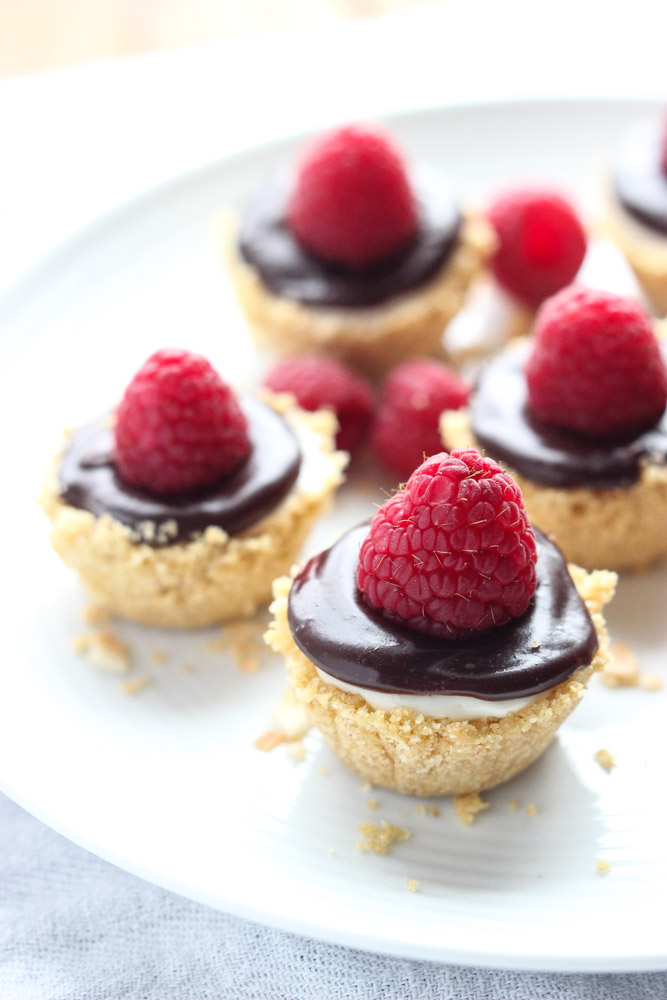 Mini Cheesecakes with Chocolate Ganache