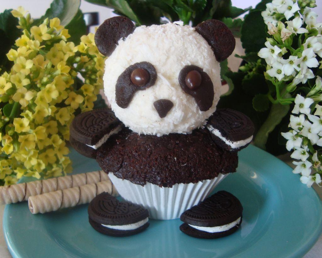 Panda Cupcakes with Oreos