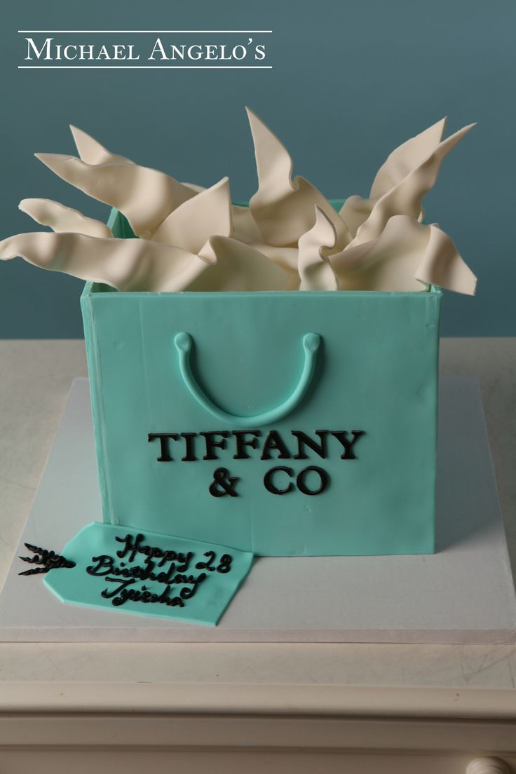 Picture of Tiffany Gift Bag Cake