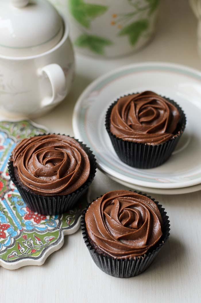 Sour Cream Cake Cupcakes