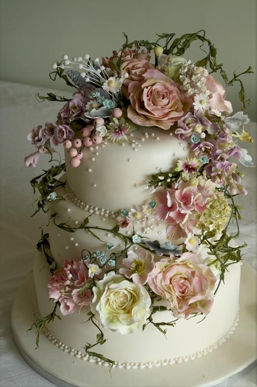 Vintage Wedding Cake with Flowers
