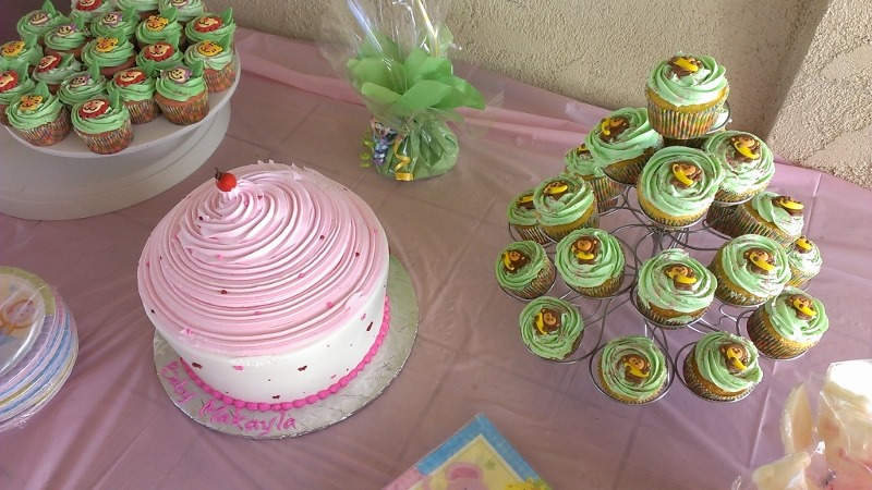 Animal Themed Baby Shower Cupcakes