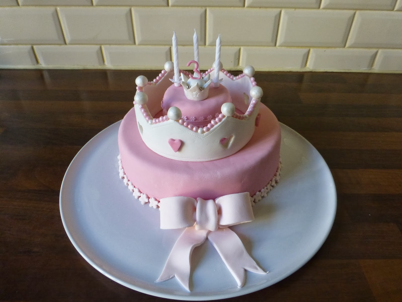 Crown with Pink Fondant Cakes
