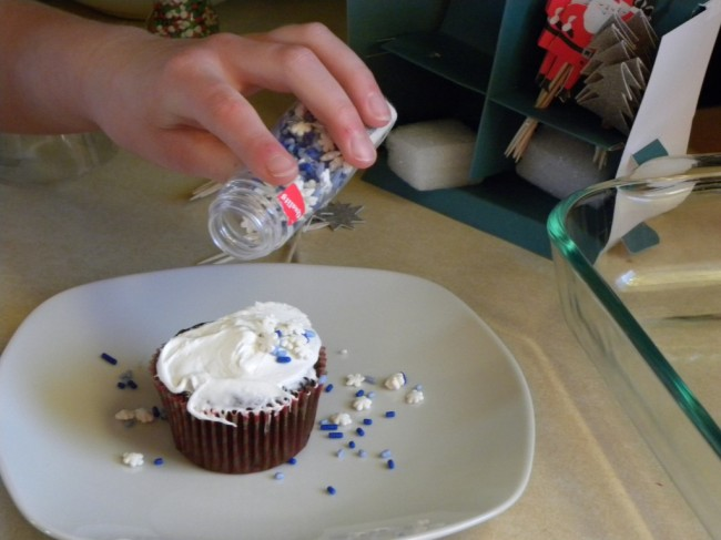 Easy Way to Decorate Cupcakes