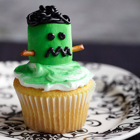 Frankenstein Marshmallow Cupcake