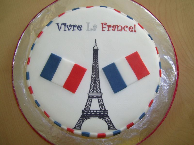French Happy Birthday Cake