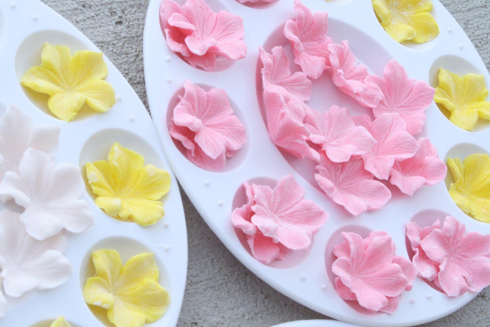 Gum Paste Flowers Cake