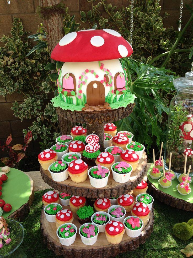 Toadstool Cake & Cupcakes