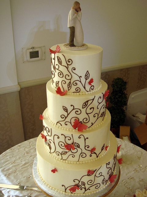 Wood Country Themed Wedding Cakes