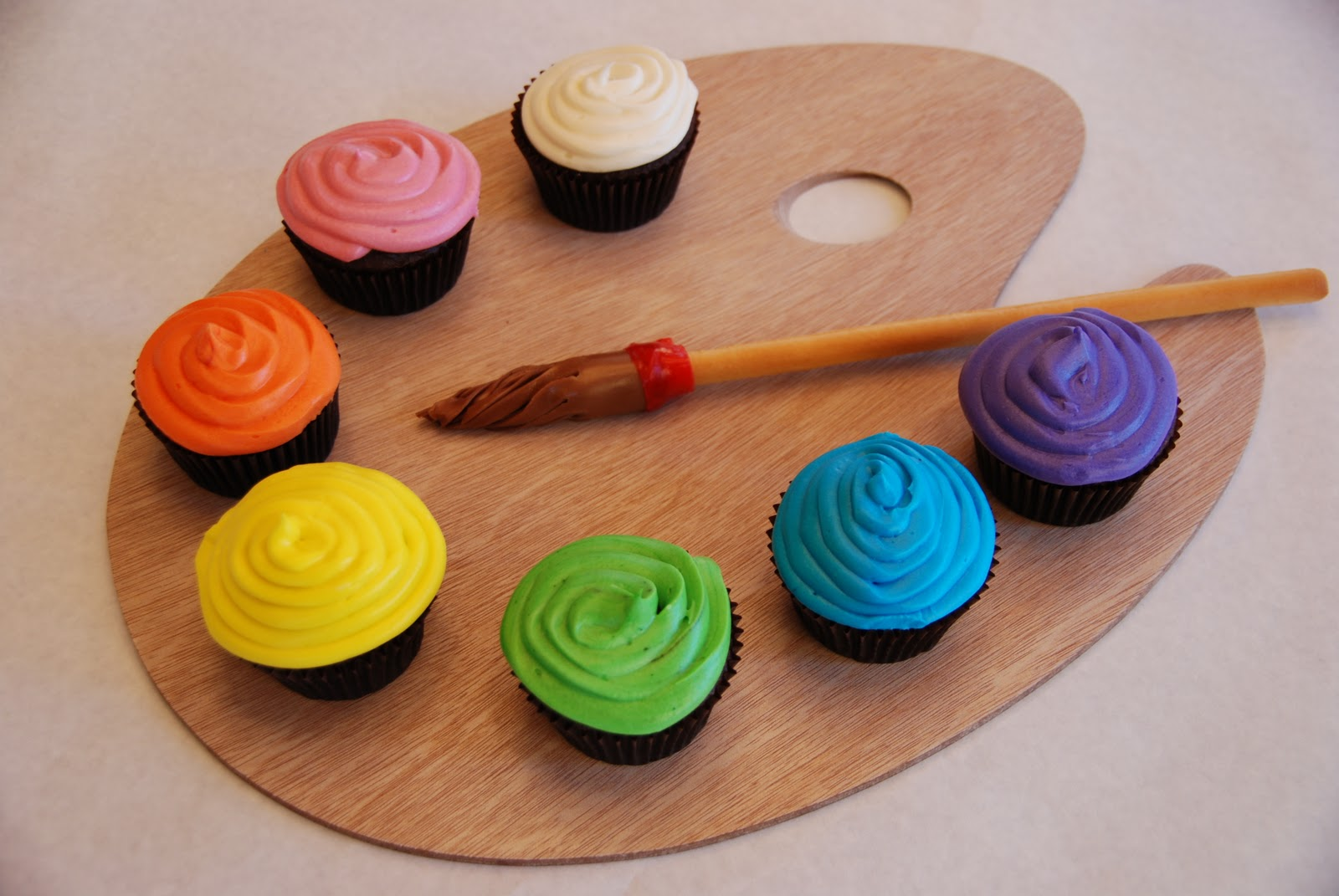 9 Photos of Art Themed Birthday Cupcakes