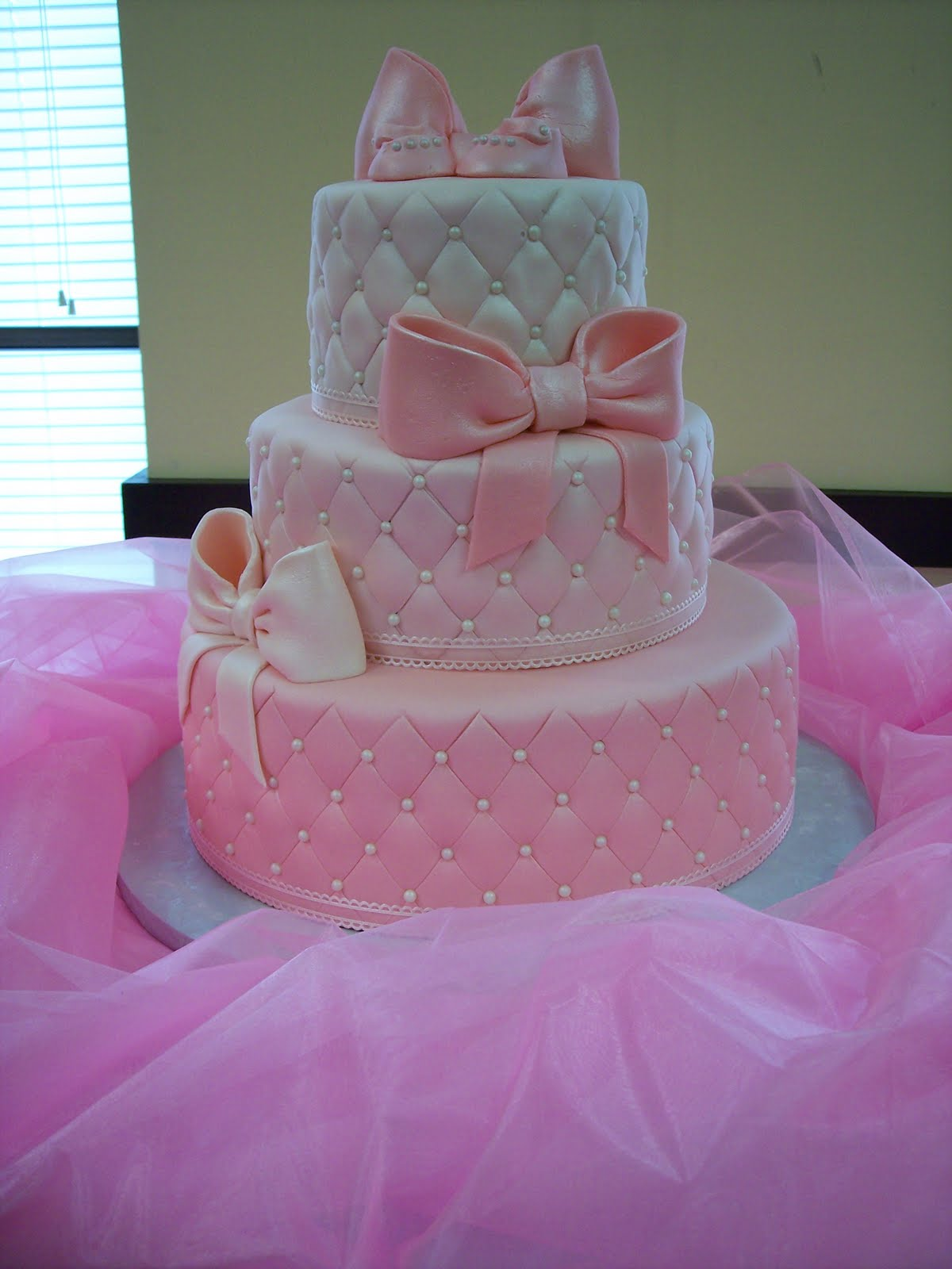 Baby Shower Cakes with Pearls
