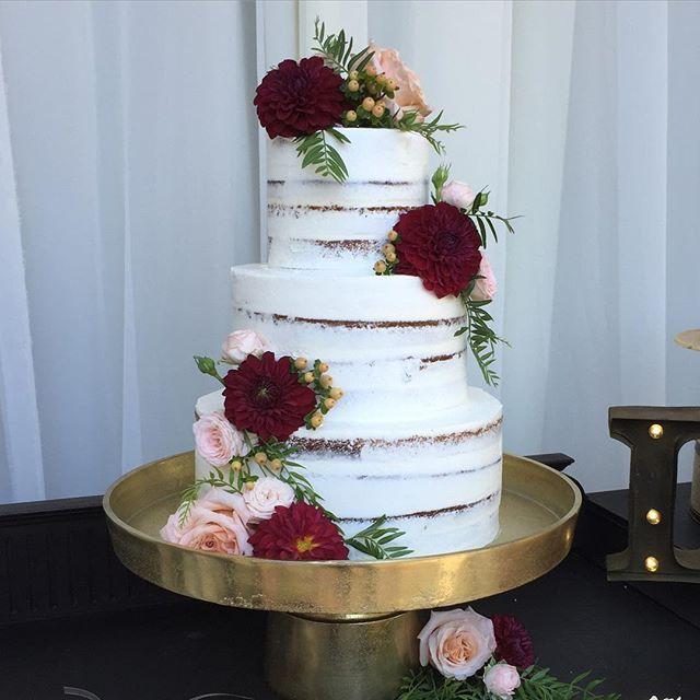 Cranberry Color Wedding Cake