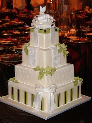 6 Photos of Sweet Lisa Greenwich's Exquisite Cakes