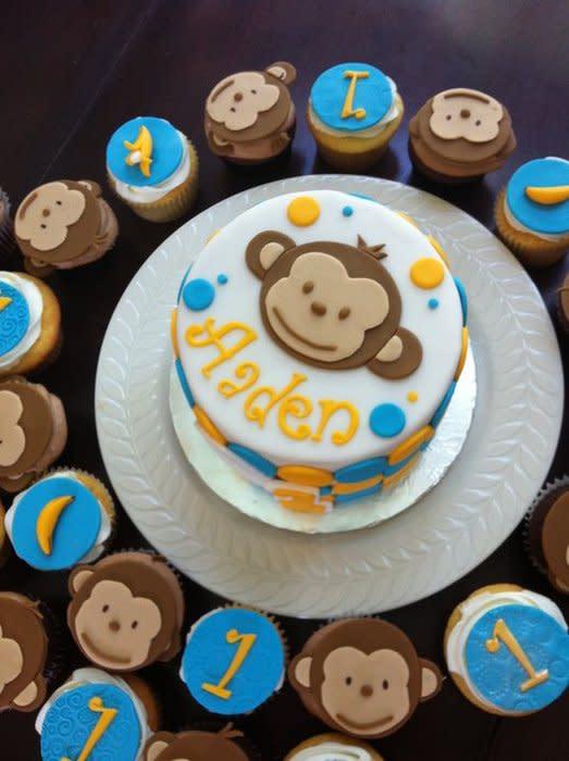 Monkey Birthday Cakes and Cupcakes
