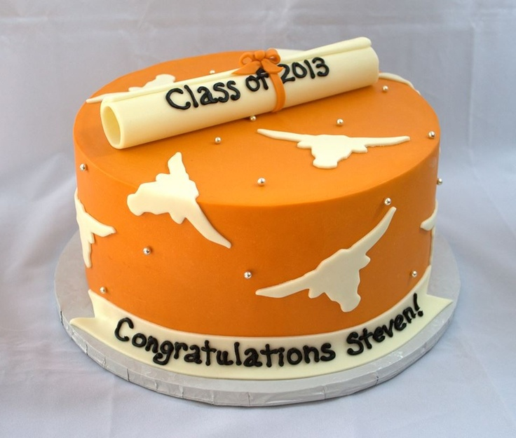 10 Photos of UT Austin Graduation Cakes